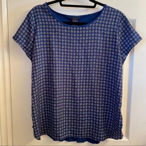 Ann Taylor blue silk patterned short-sleeve blouse